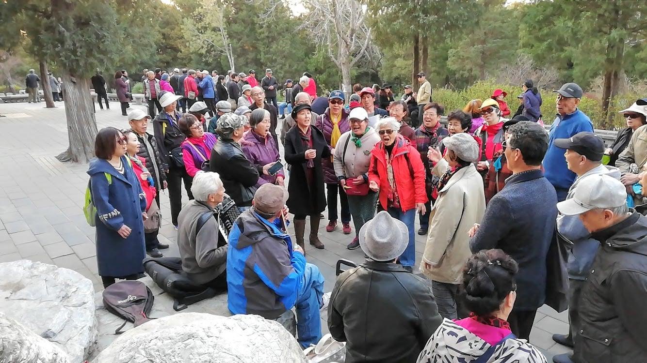 Old_People_Singing_China